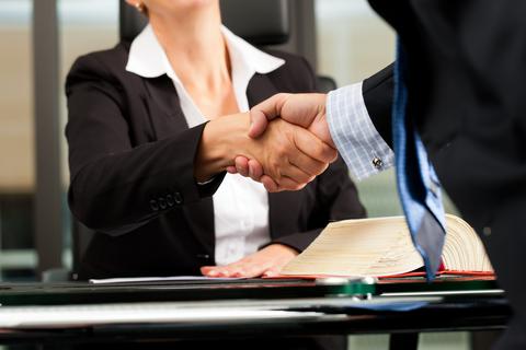 עורך דין לתעבורה עונה: האם יש התחייבות להצלחה?